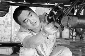 劉文舉:特種車裝配線上的特種精英